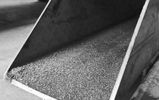 foto di taglio del tubolare presso Vicini Tubi spa Firenze